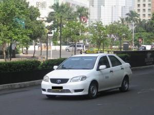 エキスプレス(Express)タクシー、ブルーバードの次に安全!?